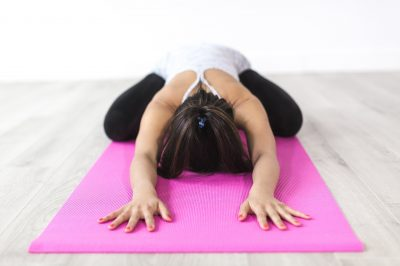 Jak zadbać o swój kręgosłup i jakie ćwiczenia na zdrowy kręgosłup warto wykonywać?