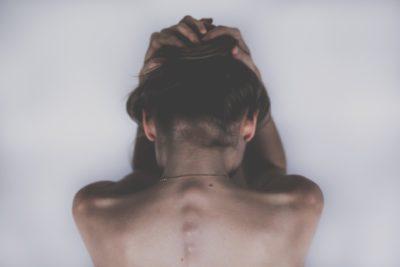 Ból głowy - przyczyną może być kręgosłup